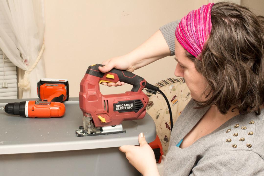 DIY Brooder Box - Cutting with Jigsaw | Life In Beta