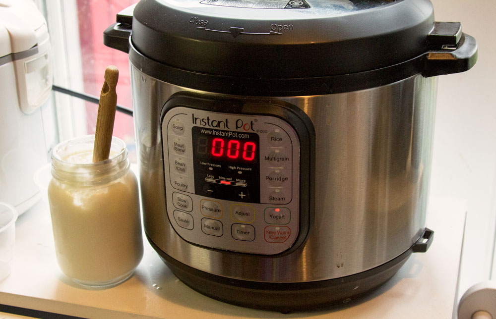 Using your Instant Pot to make Greek yogurt / Little Red Farmstead