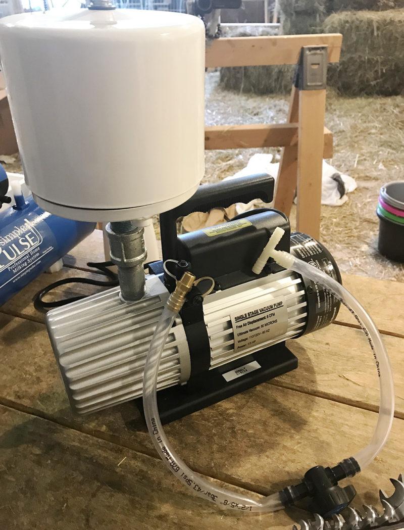 Vacuum pump for the Simple Pulse milker